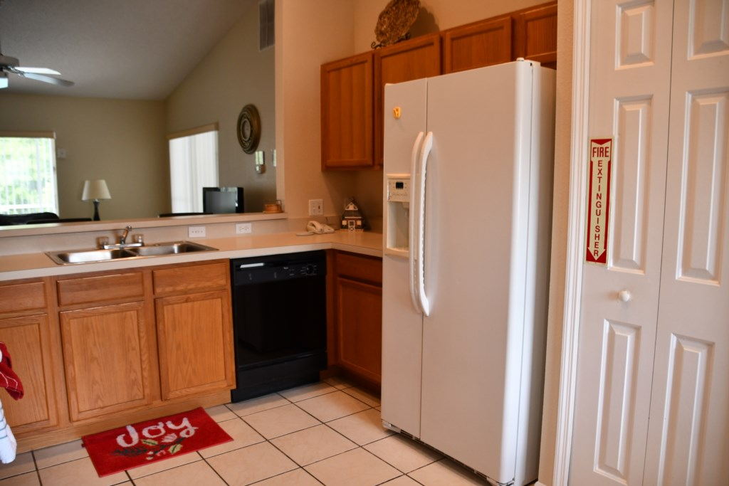 Well equipped Kitchen with all you will need to make snacks or Gourmet meals for the family