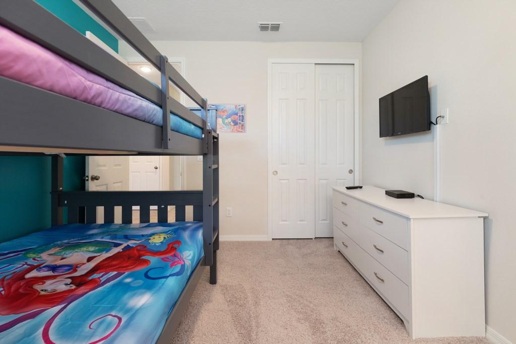 24_Bunk_Bedroom_0921.jpg