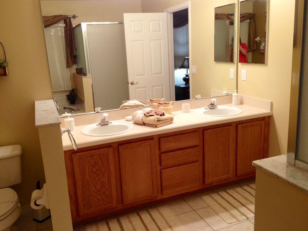 master bath (002).jpg