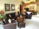 living room (002).jpg