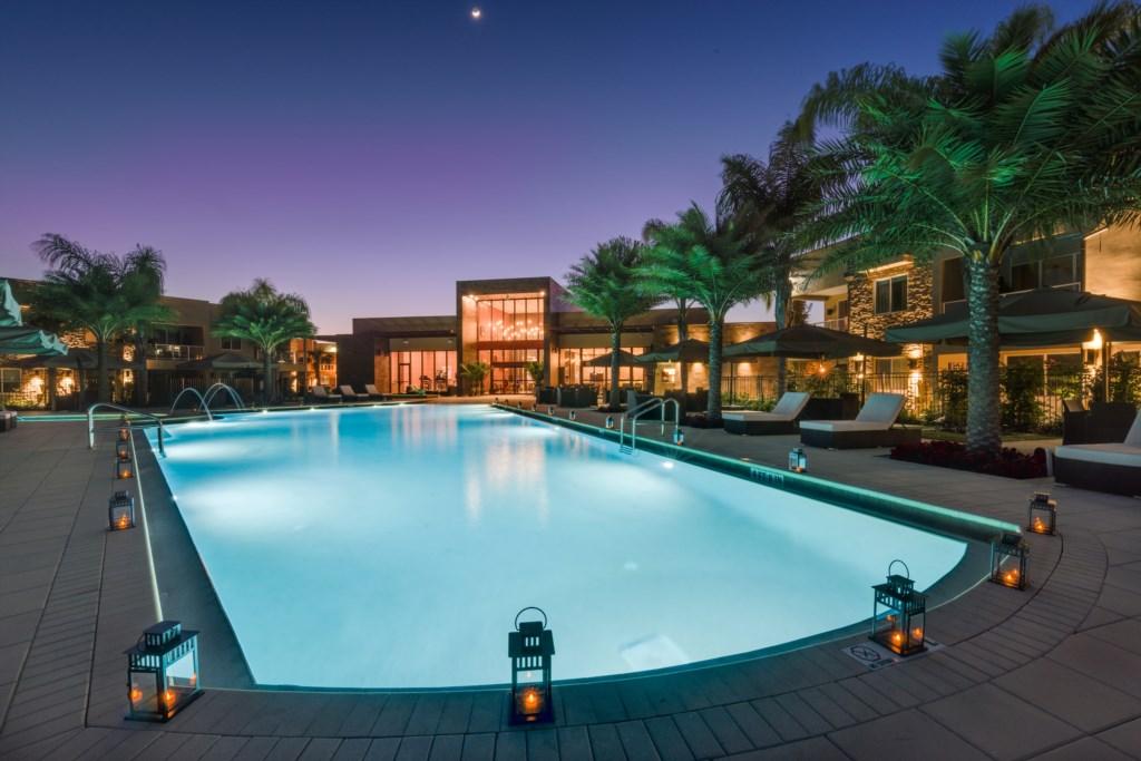 Pool-night4