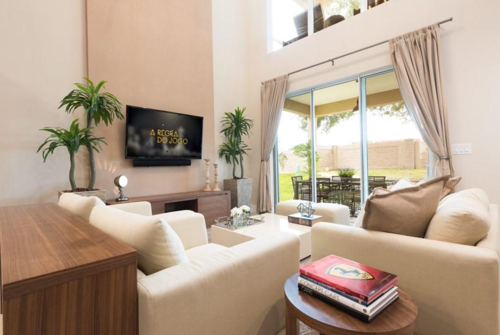 MVY Living Room2.JPG