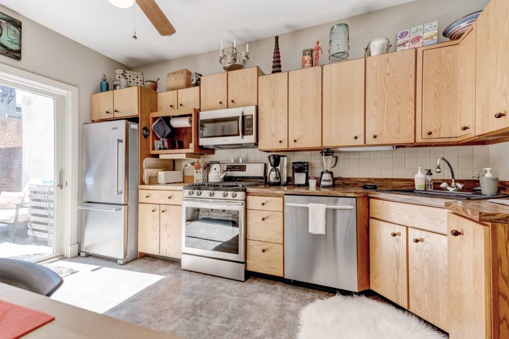 Kitchen Photo 3 of 5