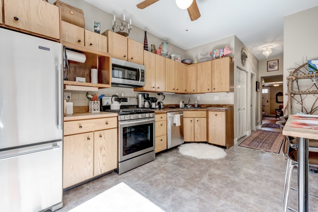 Kitchen Photo 4 of 5