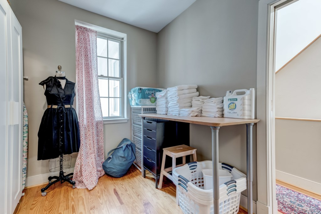 Laundry Area Photo 2 of 2