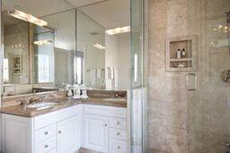 Guest Room Queen bath.jpeg
