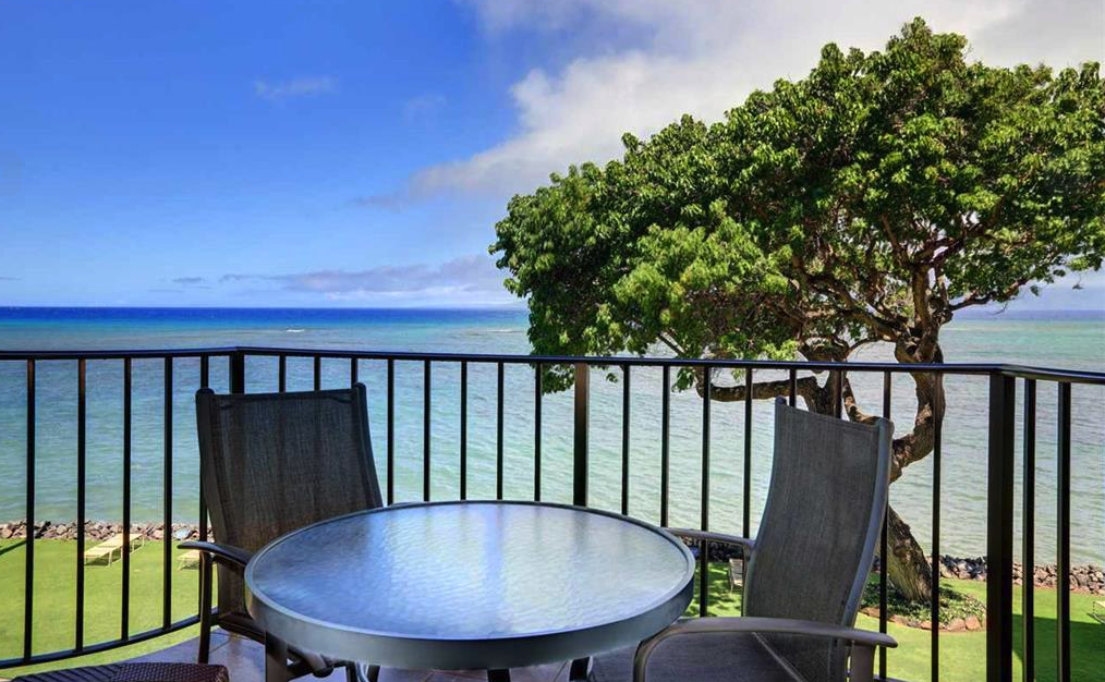 Enjoy your morning coffee or cocktails and take in the Ocean breeze.