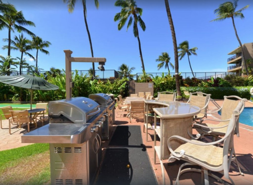BBQ and seating available within the complex, along with Ocean access.
