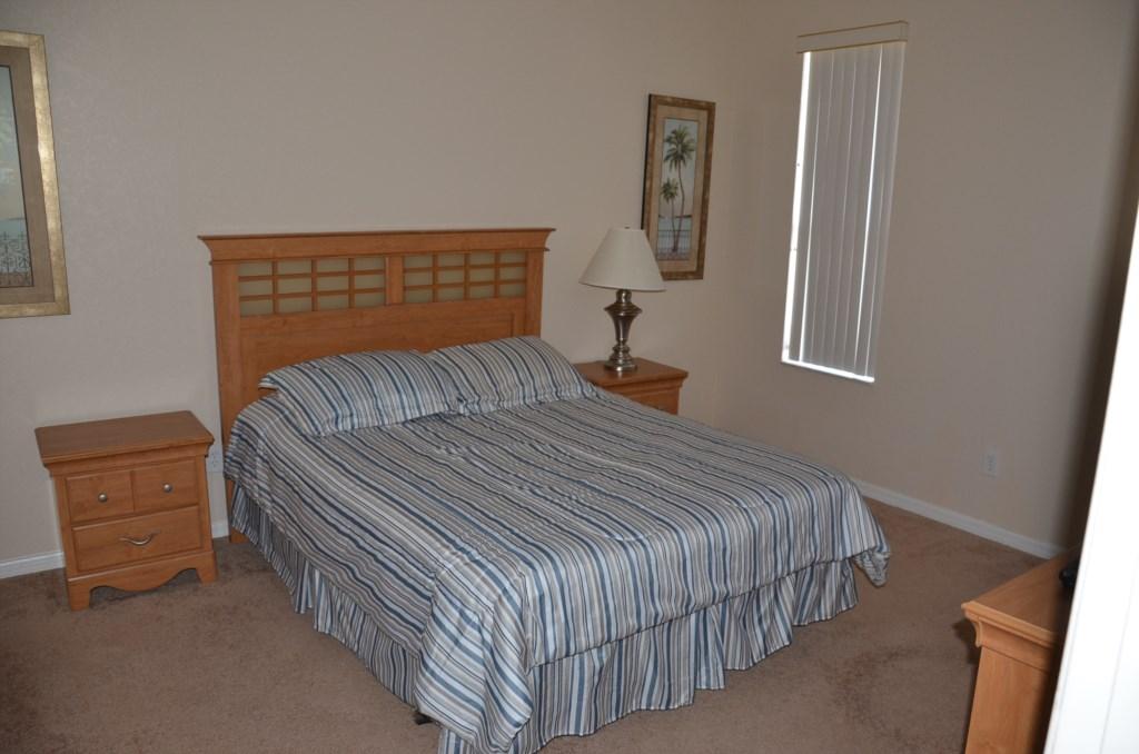 Downstairs Queen En-Suite