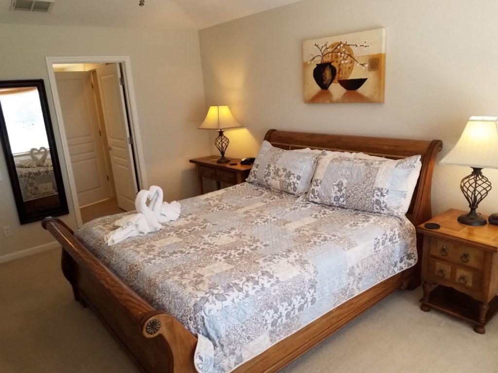 Master bedroom 1_1.jpg