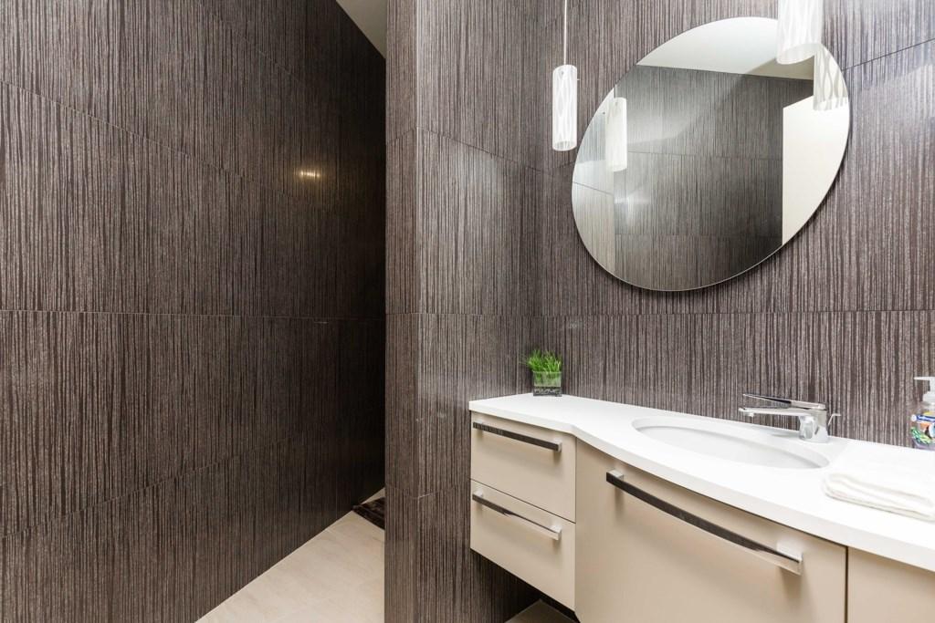 2nd bathroom, ensuite