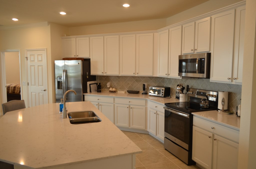 Large well equipped kitchen with all you will need