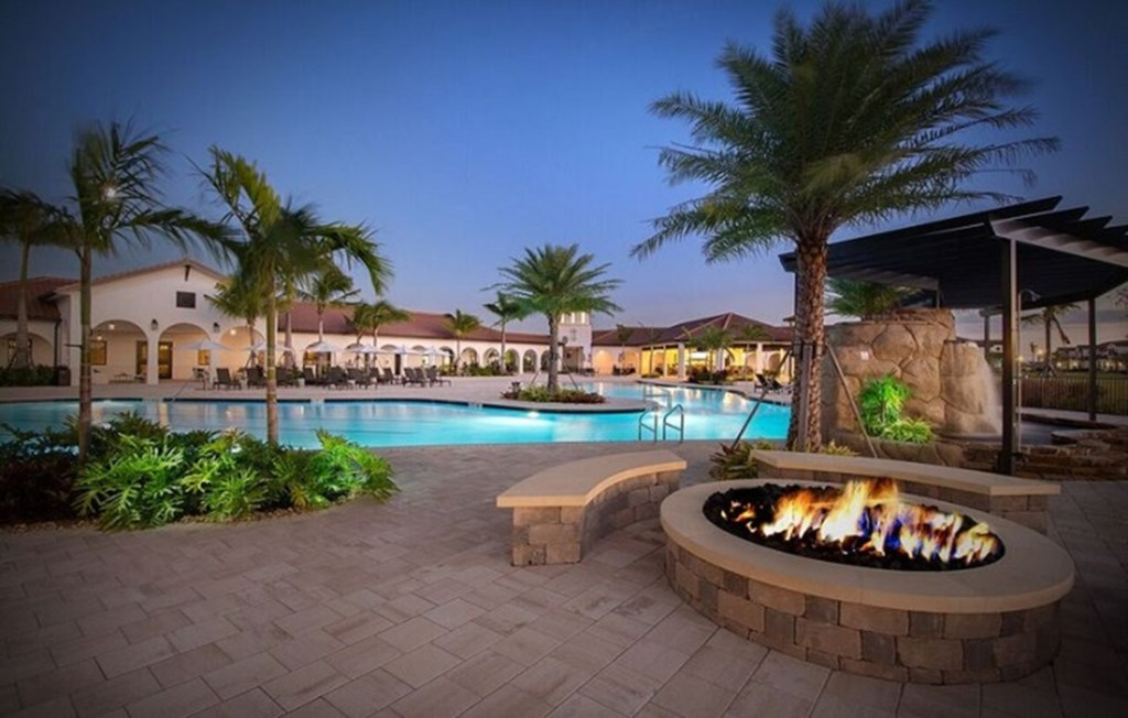 Large heated pool to relax and soak up the Forida sunshine, and later gather around the firepit