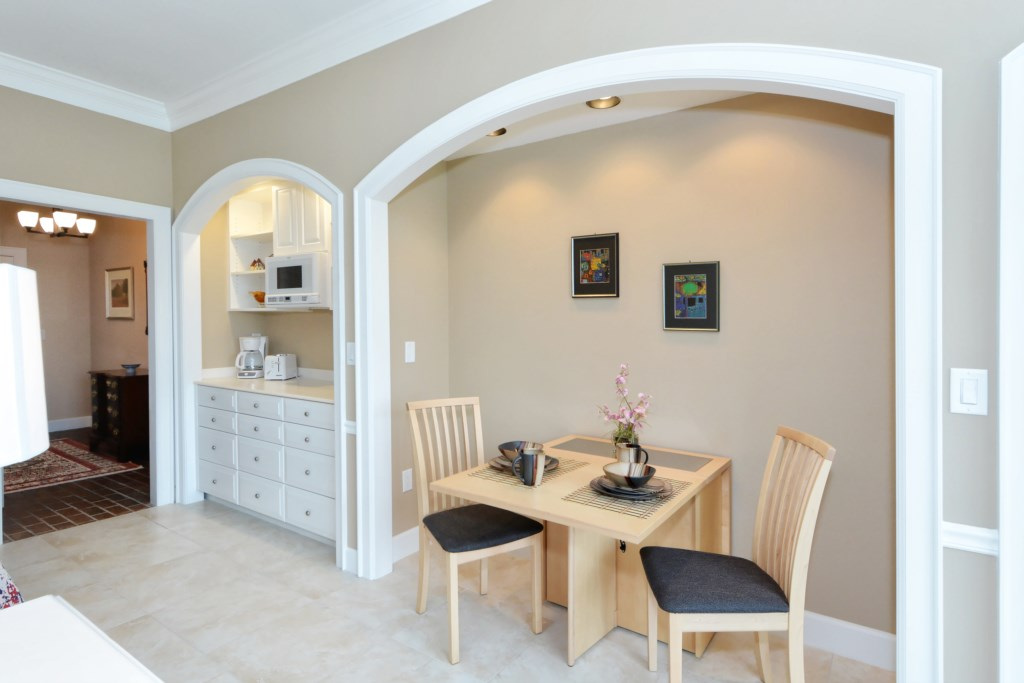 Nook with Dining Table