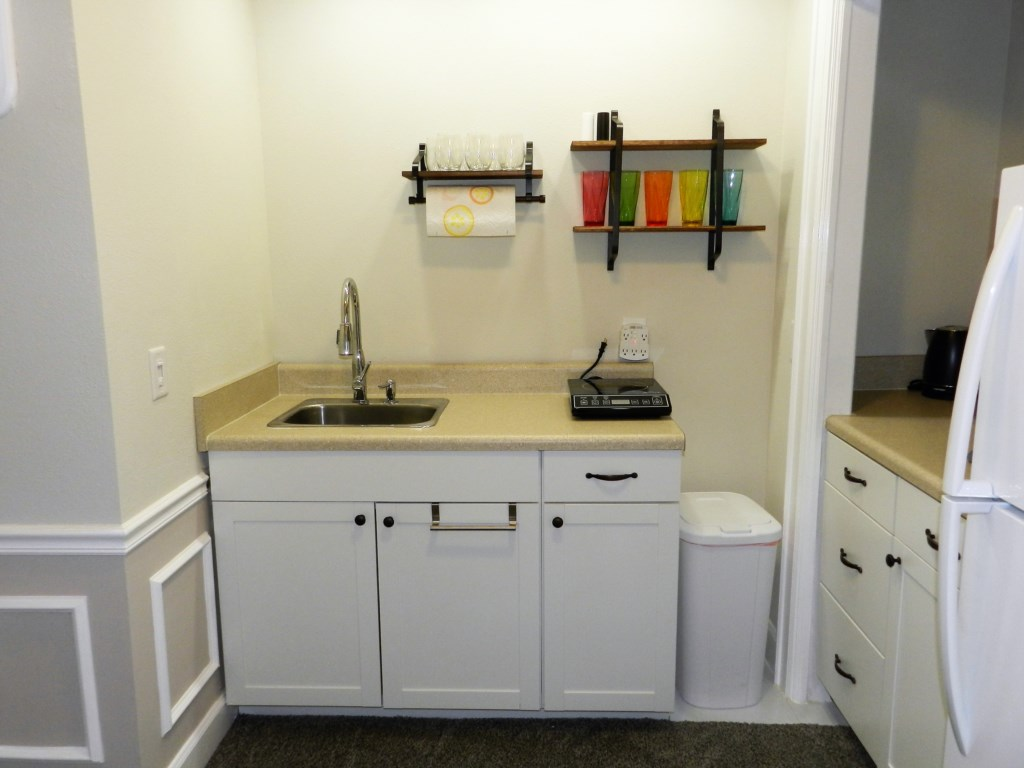Kitchen Sink with Hot Plates