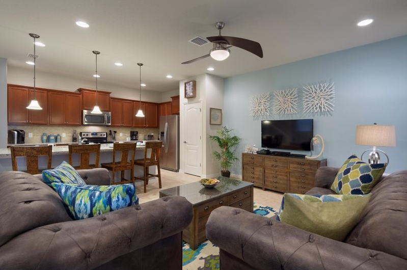 MARVELOUS 5BD Townhome w/Pool