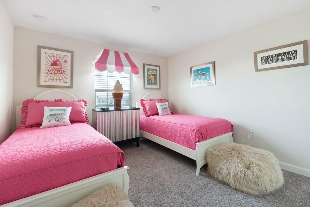 15_Twin_Bedroom_0721.jpg