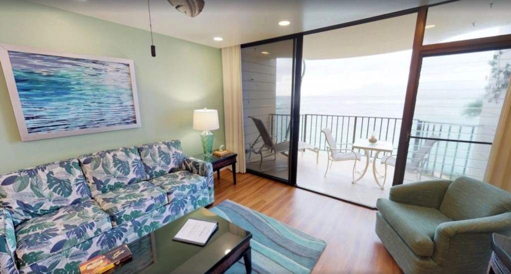Spacious lanai with spectacular Ocean views.