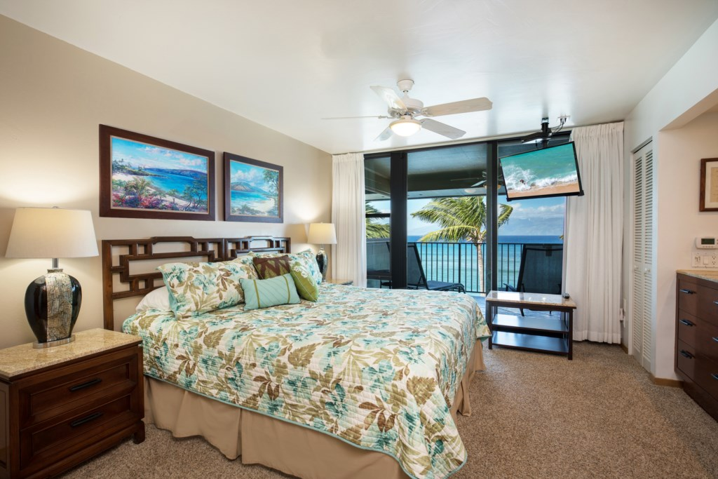 Wake up to paradise in this luxurious Master Suite.