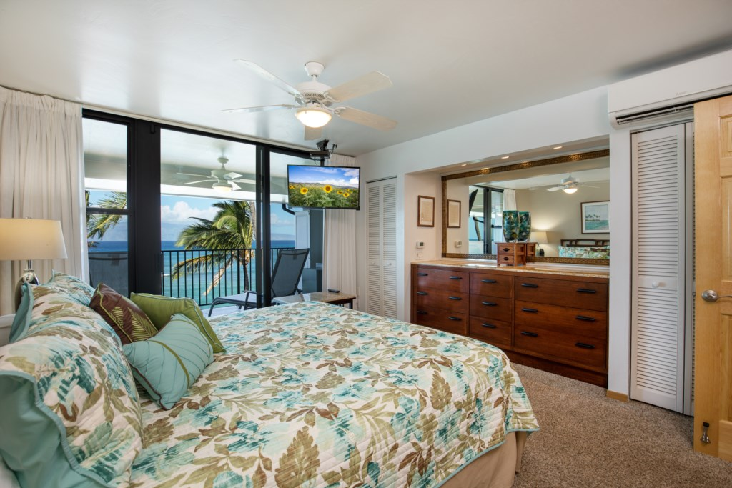 Stunning Master bedroom with private Lanai.