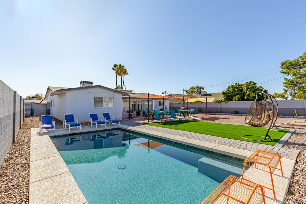 ALL NEW POOL, FIRE PIT, LOUNGERS, DINING FOR 16 AND MORE!
