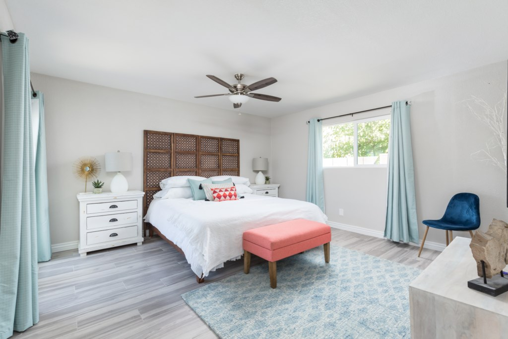 Master Bedroom with King Bed and en-suite bathroom
