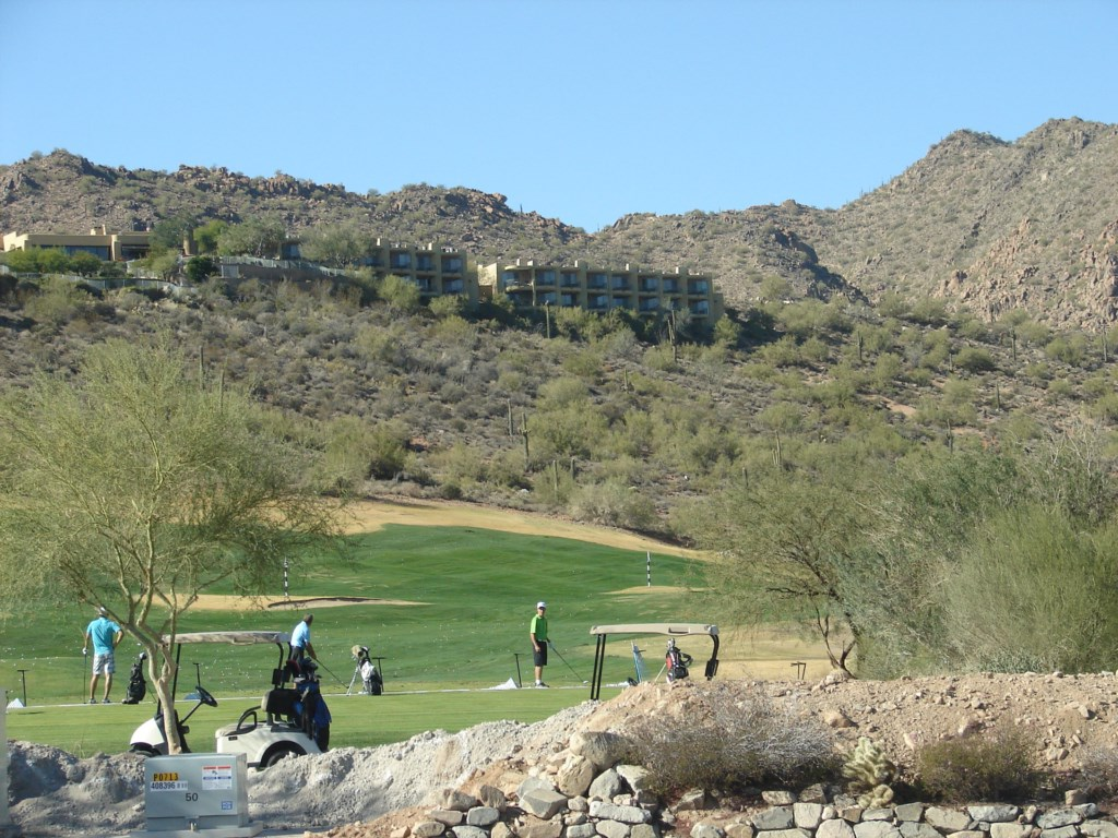 Amazing outdoor golf courses - minutes away