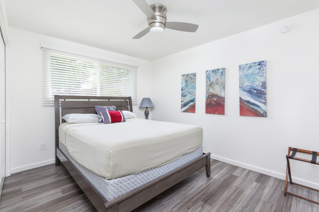 3rd Bedroom with 1 Queen Bed