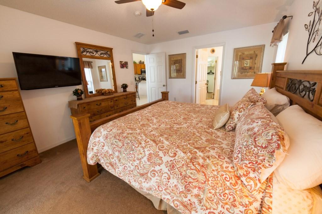 King Master Bedroom-3.jpg