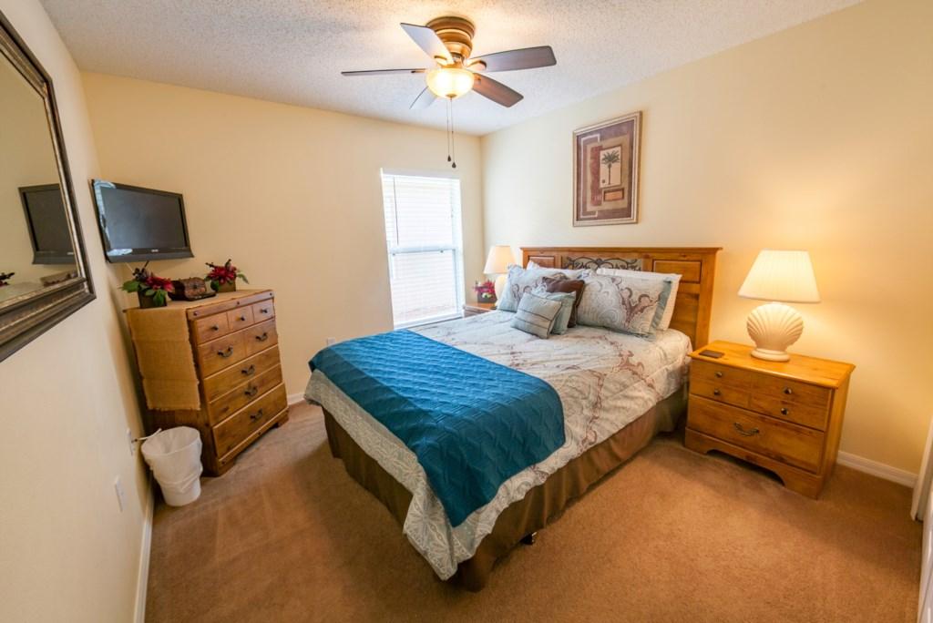 Queen Bedroom-1.jpg