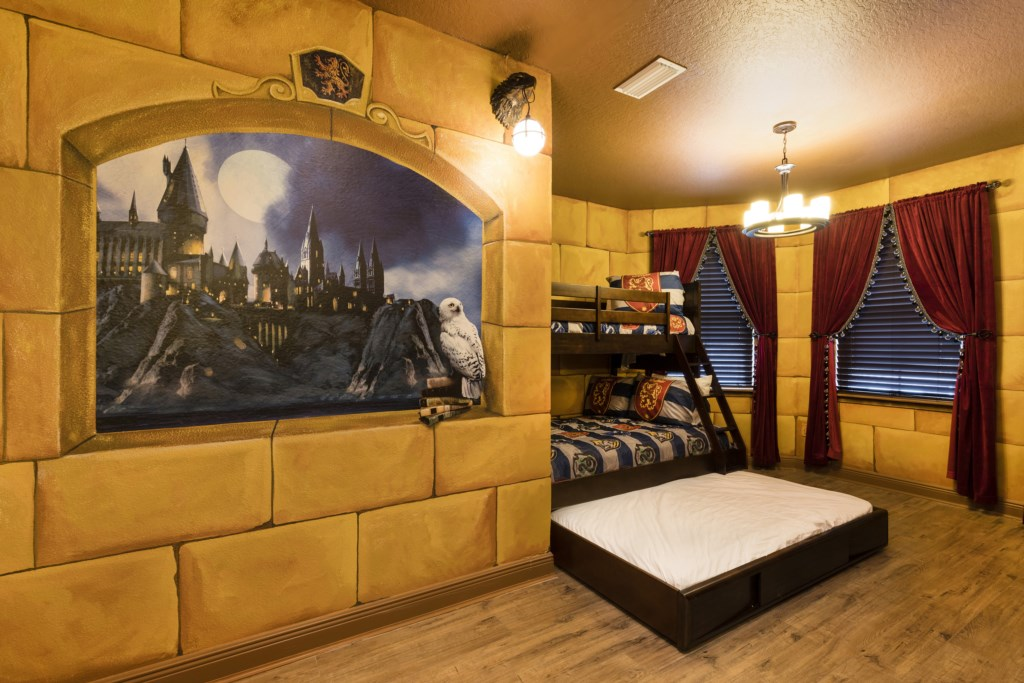 Bedroom 10-3.jpg