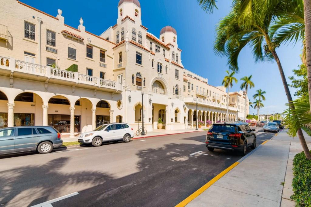 Palm Beach Hotel.jpg