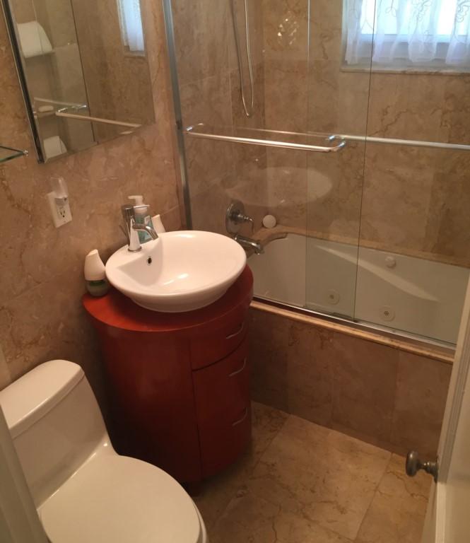bathroom2b