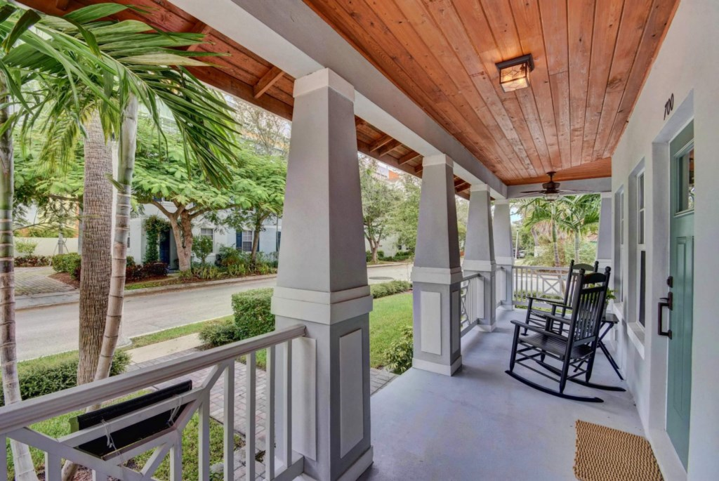 Porch 700 N.jpg