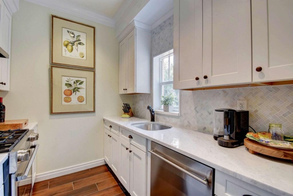 Kitchen extra.jpg