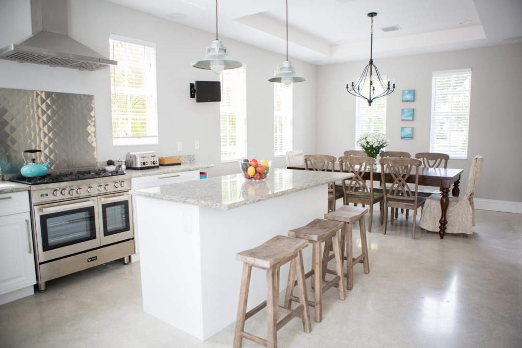 KitchenandDiningRoom
