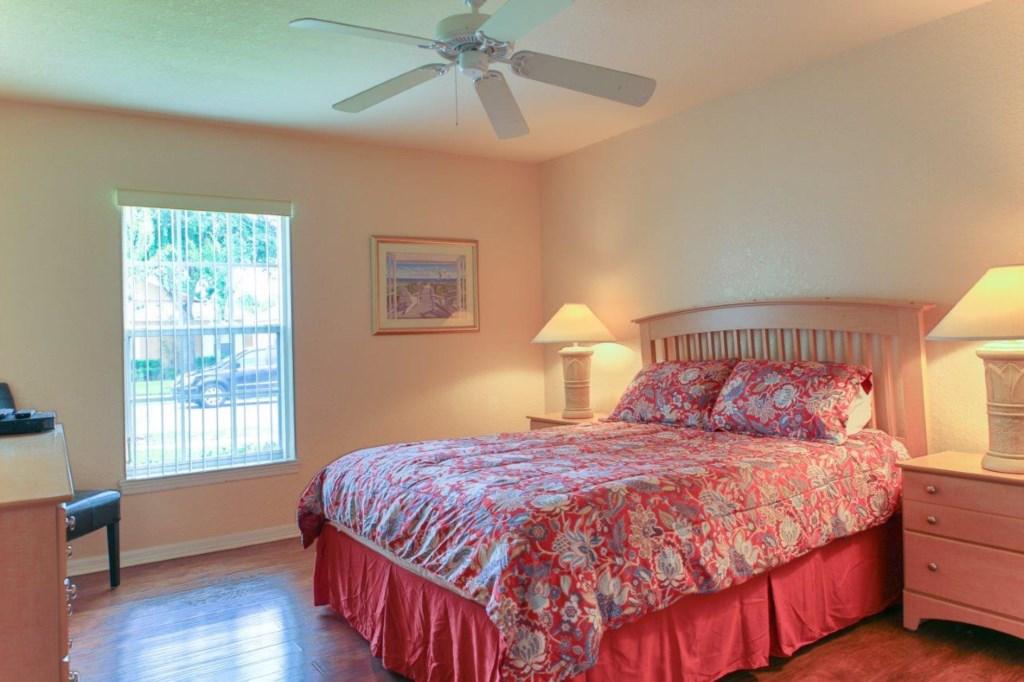 Bed 2 (004).jpg