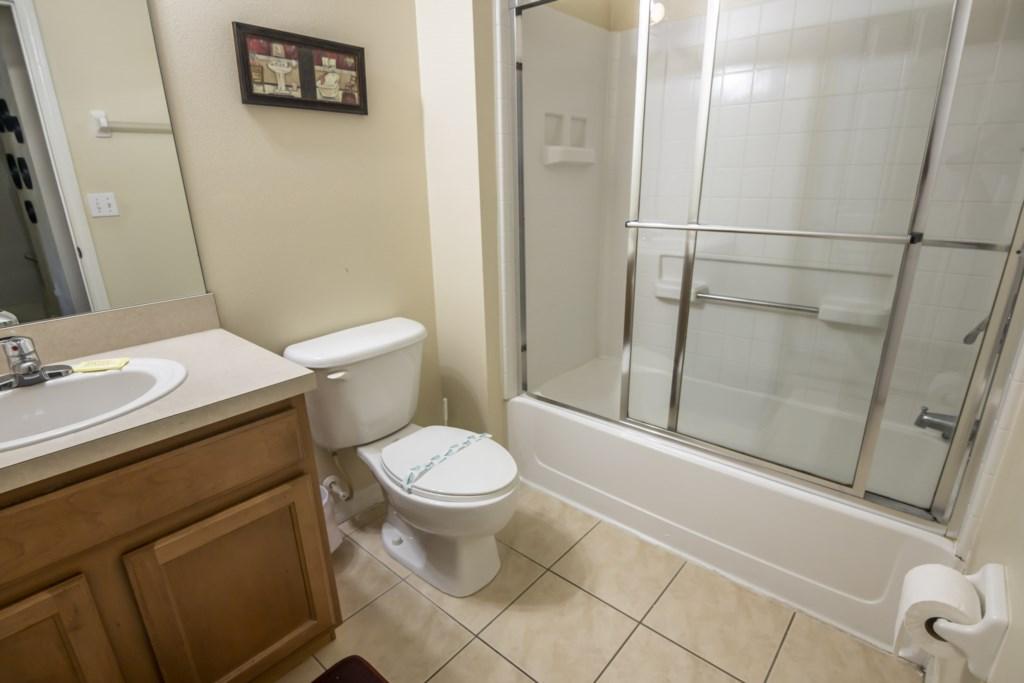 Jasmine - Bathroom 2
