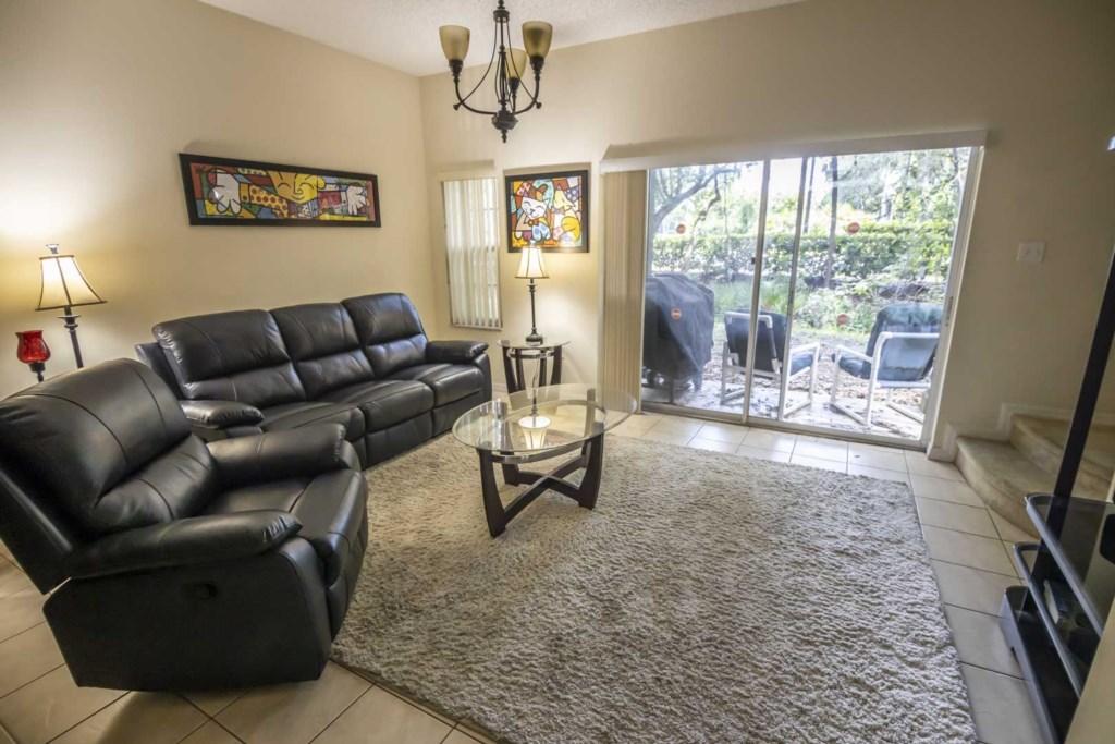 Jasmine - Living Room (2)