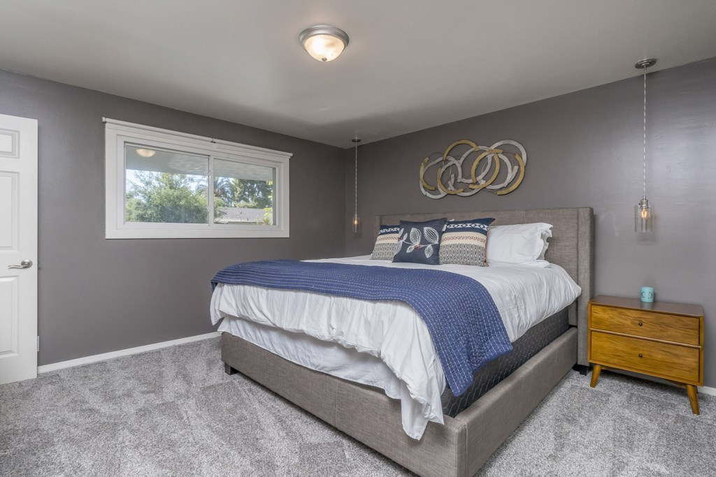 Master Bedroom with California King & En-suite!