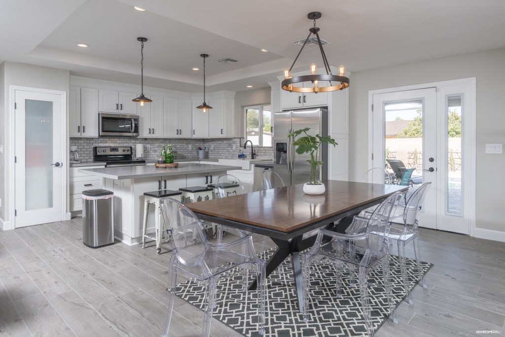 Kitchen-and-Kitchen-Table