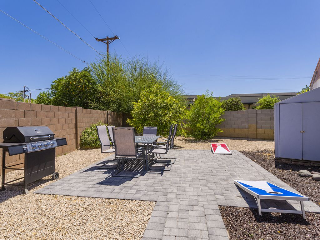 Grill-Area-and-Cornhole.jpg