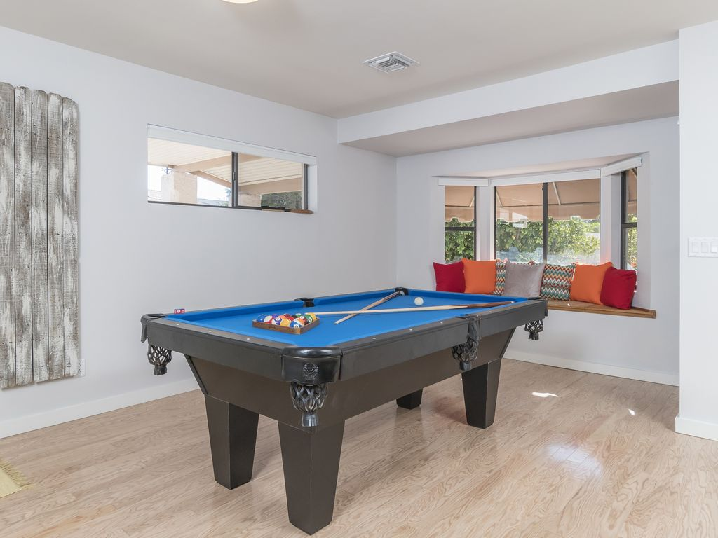 Pool-Table (1).jpg