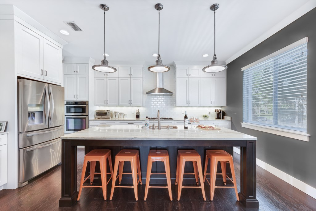 Upgraded Kitchen Features