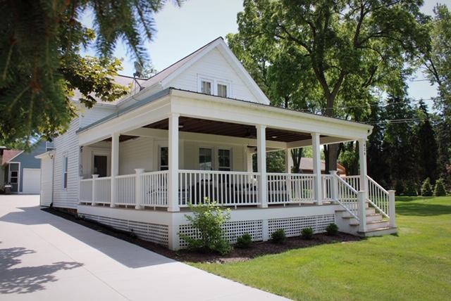 Large Farmhouse Style
