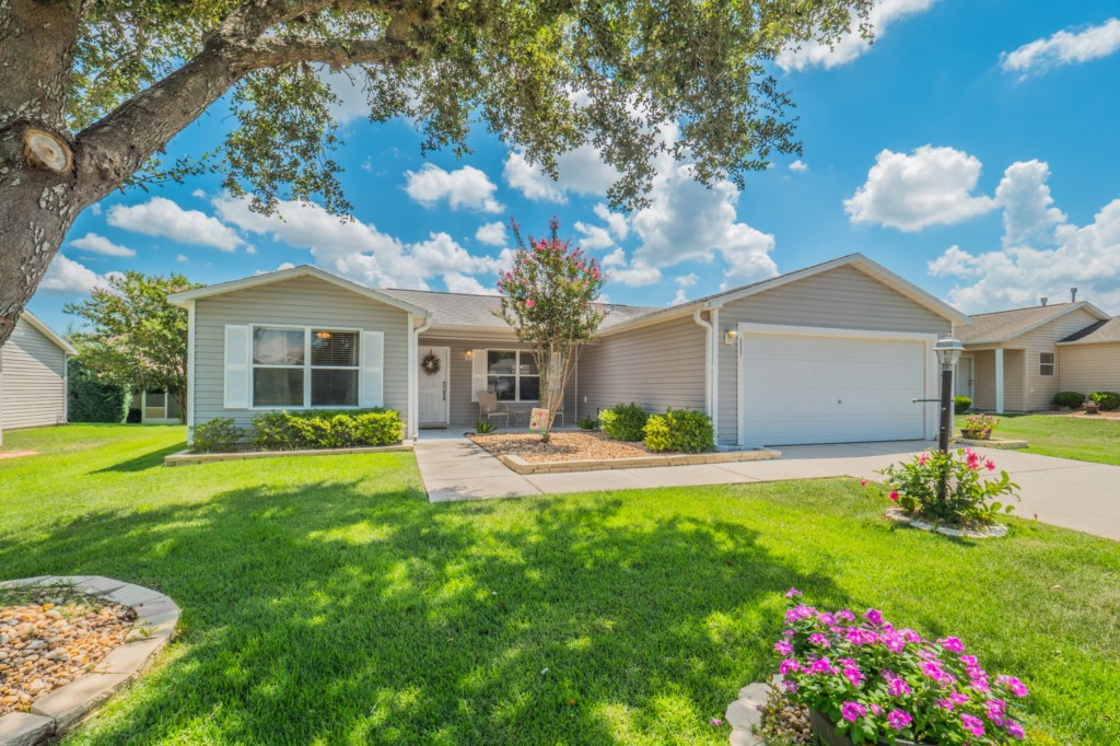 3 bed/2 bath designer home located in Village of Liberty Park