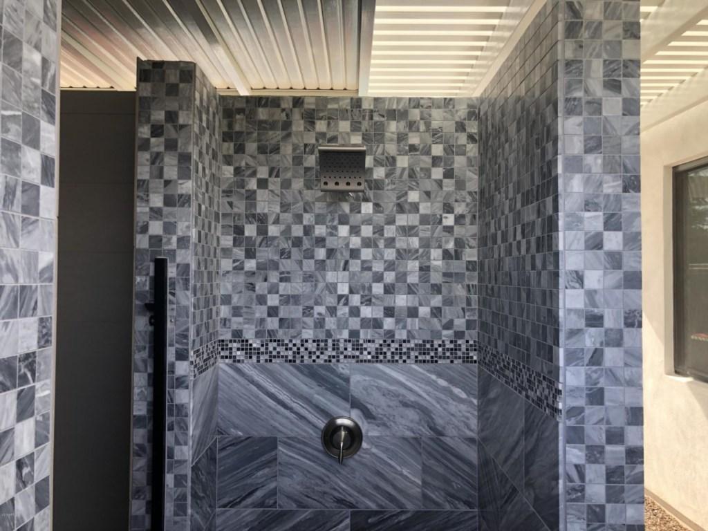 5th bathroom, outdoor