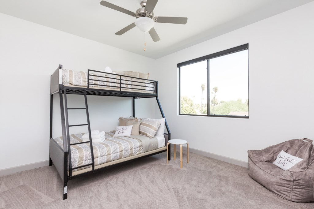4th Bedroom with 2 Twins