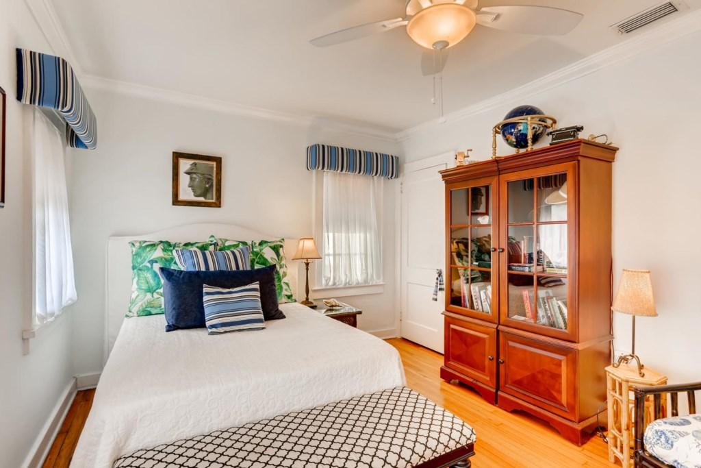 318 Cornell Dr Lake Worth FL-large-012-010-Bedroom-1500x1000-72dpi.jpg