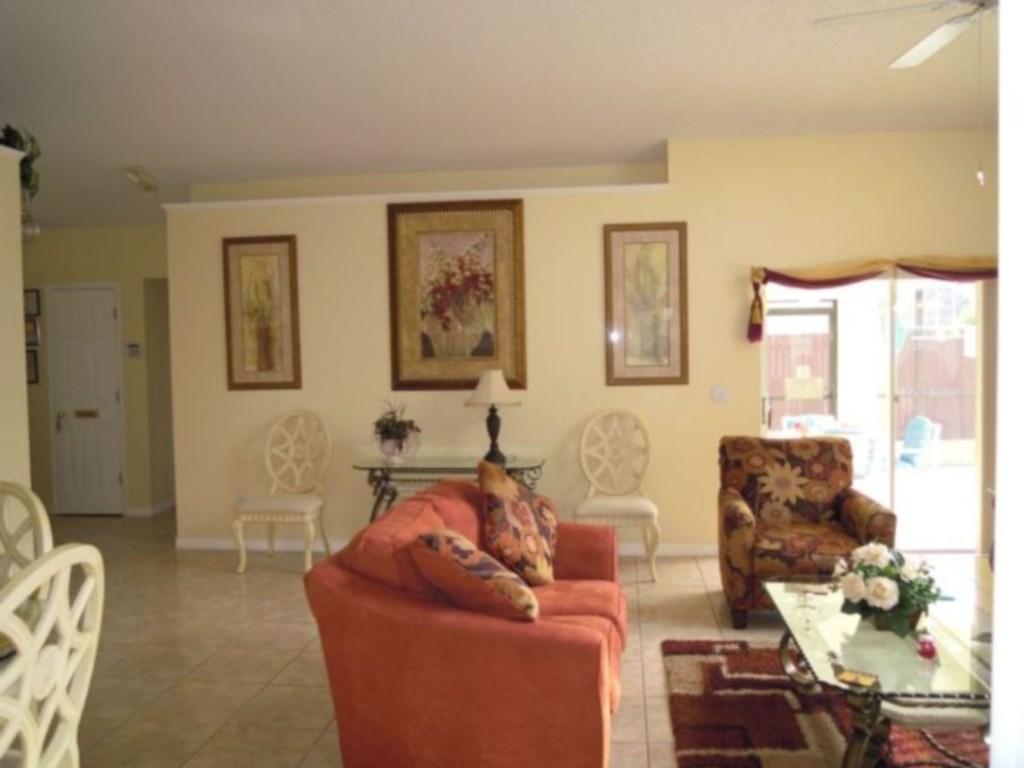 Family Room1.jpg